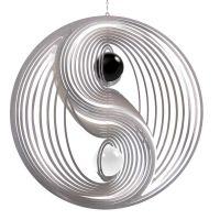 Windspiel Yin Yang L mit schwarzer und weißer 50mm Opalkugel